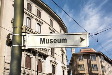 Schild 242 - Museum