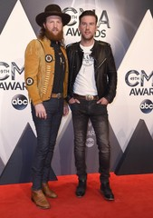 Entertainment: CMA Awards