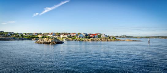Türaufkleber Kuste Swedish west coast archipelago in summer panorama