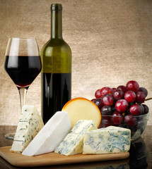 Red wine and cheese
