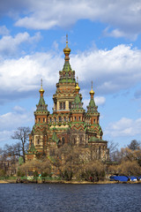 St. Peter and Paul Cathedral in Peterhof, the suburb of St. Petersburg, doesn't belong to a palace complex