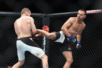 MMA: UFC 204-Grant vs Stasiak