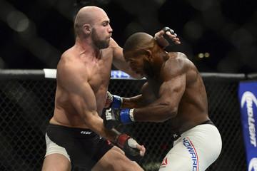 MMA: UFC 189-Pendred vs Howard