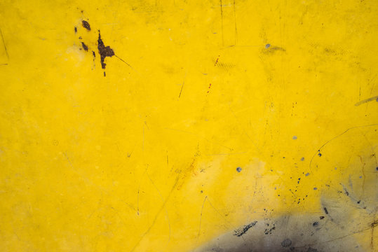 yellow metal rusty texture for background