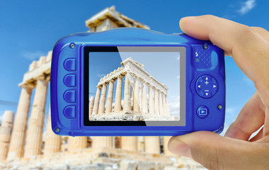 Poster Athens Taking picture of acropolis athens greece compact camera display pov