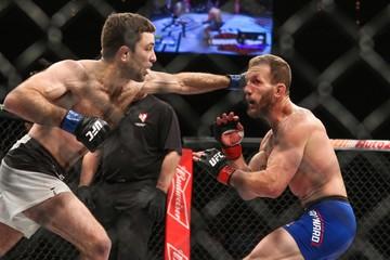 MMA: TUF Tournament of Champions-Maynard vs Hall