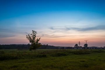 Zachód słońca w jesienny wieczór