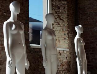 Three mannequin