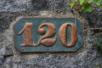 Hausnummer 120