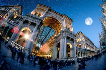Tuinposter Milan Milan by night