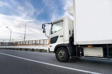 冷凍トラック ライフライン