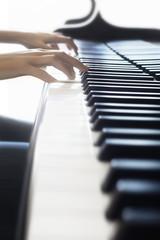 Tuinposter Muziek Piano hands keyboard pianist playing