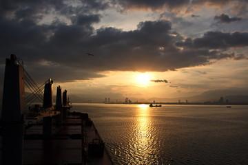 Средиземное море, порты Iskenderun & Izmir, Turkey, виды акватории ,причалов и грузового комплекса