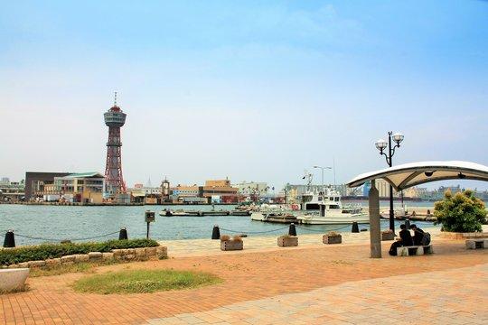 博多港と博多ポートタワー、