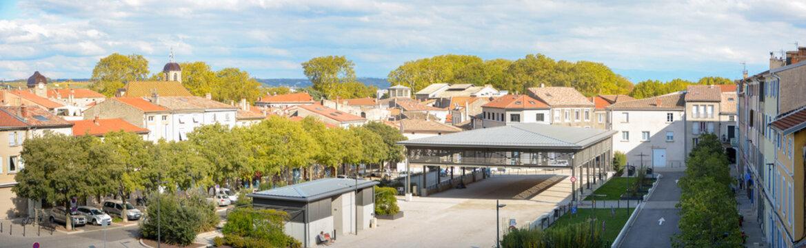 Place des graviers à Tournon sur Rhône en Ardèche