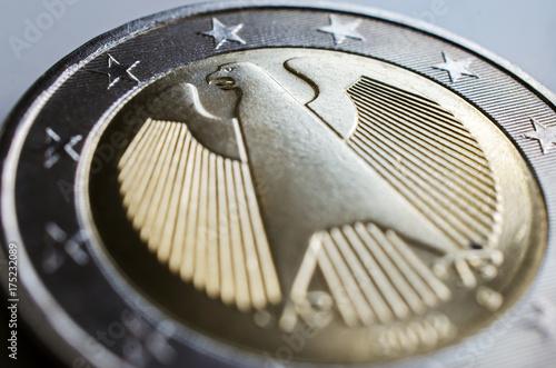 Rückseite Der Deutschen 2 Euro Münze Mit Dem Bundesadler Stock