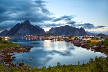 Fotomurales - Reine fishing village at dusk in Lofoten Islands, Norway