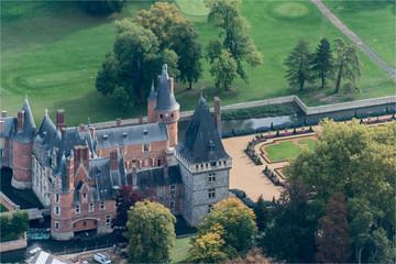 Vue aérienne du château de Maintenon à l'ouest de Paris
