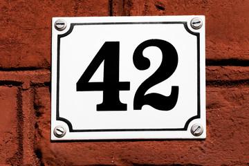 Hausnummer 42