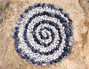 Helix of pebbles