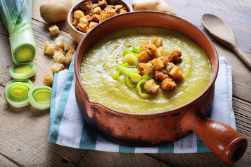 Leek and potato soup with croutons