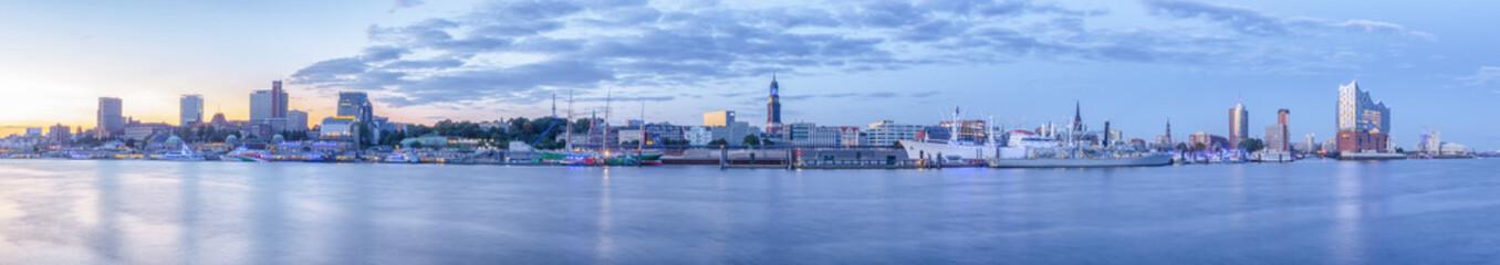 Landungsbrücken Hamburg Panorama