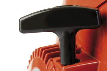 Chainsaw - starter handle