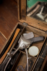 Old manual hand clipper