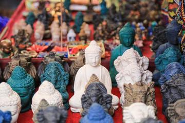 Bali: Traditionelle Steinfiguren, Ubud Markt