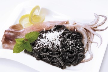 Squid noodles with Parmesan and squid