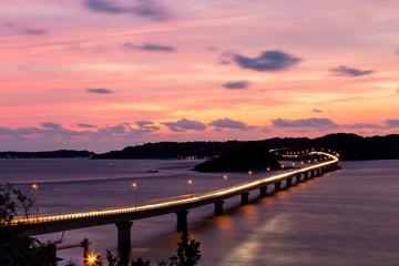 山口県角島大橋の夕陽