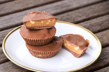 Peanut butter cups, dessert, schokolade