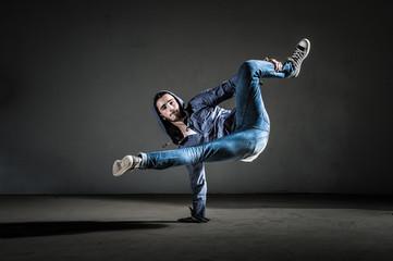 Danseur breakdance et hip hop moderne