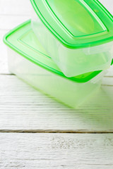 Picture of two containers with green lid