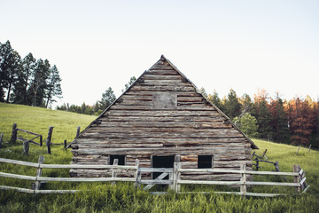 Old Barn in Wyoming Hills