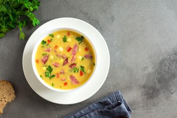Fotobehang - Corn Soup with Ham