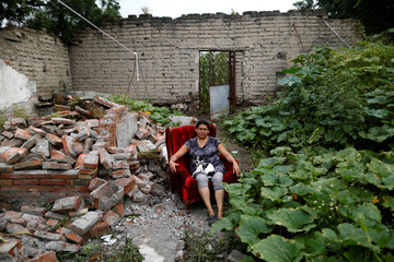 The Wider Image: Mexico quake: in the ruins of home