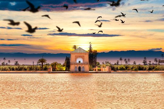 Jardin de Menara. Viajes y aventuras por Marruecos. Arquitectura y sitios de interes en Marrakech.