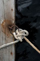 Rope Knot to Secure Boat to Dock