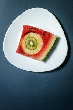 a plate of delicious fruit,fruit puzzle, shape