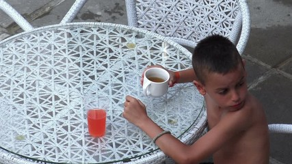 029 Naket Little Child Boy Sneeky Drinks Forbiden Lemonade Drink On