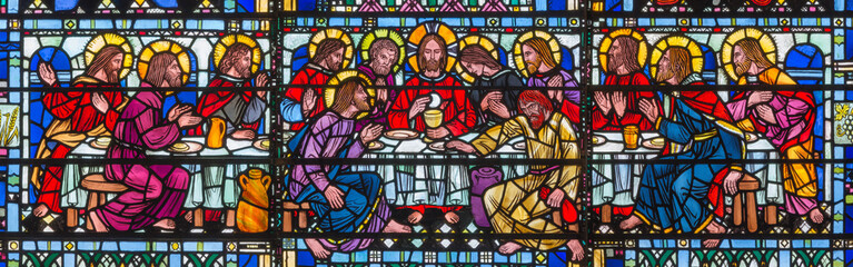 Spoed Foto op Canvas Monument LONDON, GREAT BRITAIN - SEPTEMBER 16, 2017: The stained glass of Last Supper the Pantokrator in church St Etheldreda by Joseph Edward Nuttgens (1952).