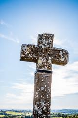 Croix près de l'église du fort de Laguiole