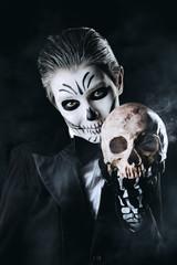 makeup of skeleton