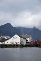 Norwegen, Lofoten, Reine, Hamnøy, Norge, Moskenes, Nordland, Hafen, Moskenesøya, Kirkefjorden, Fischereihafen, Fischfang, Boot, Schiff, Fischerboot, Dorf, Fischerdorf