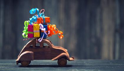 bunte Geschenke zum Geburtstag