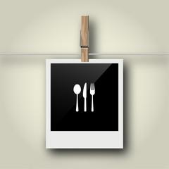Sofortbild mit Symbol an Wäscheleine - Besteck - Restaurant