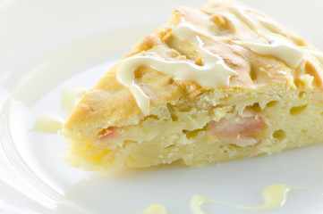 A serving of Apple pie on a plate
