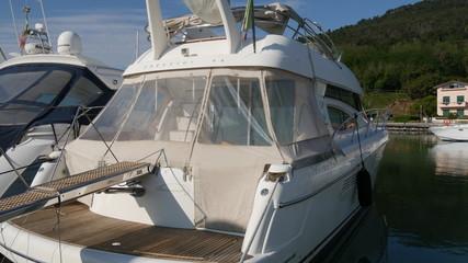 Barche e yacht nel porto turistico di La Spezia in Liguria