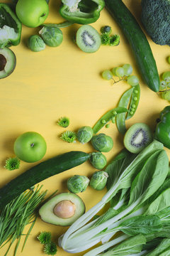 Green on yellow background - analogous colors